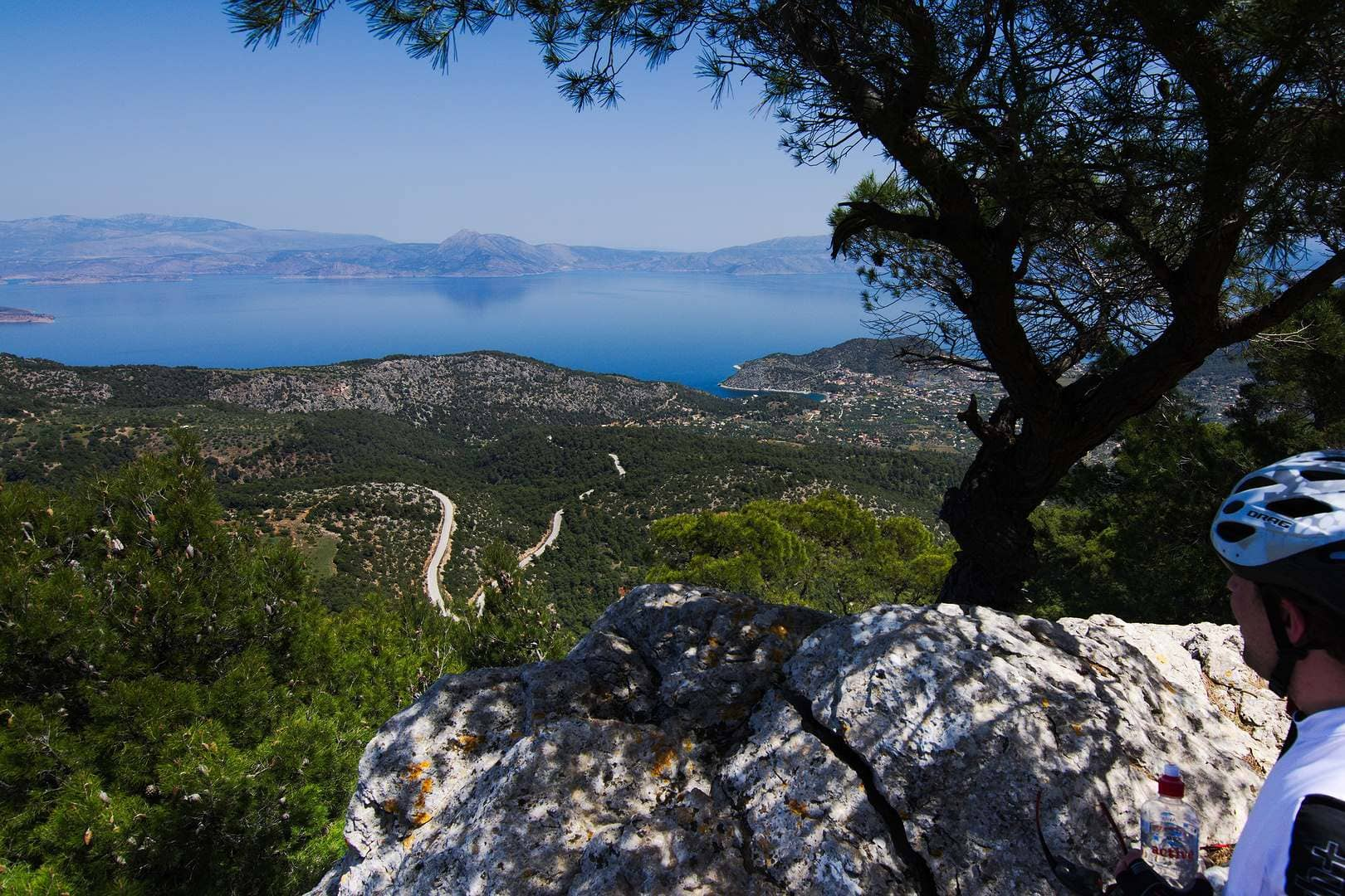 Cycling towards Vouliagmeni Lagoon (Athens) - GrCycling