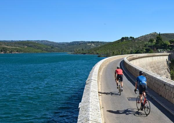 Cycling along the dam of Marathon's water reservoir - Road cycling in Athens by GrCycling
